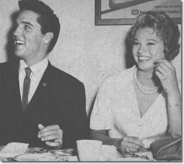 Elvis Presley et Juliet Prowse 12 Septembre, 1960