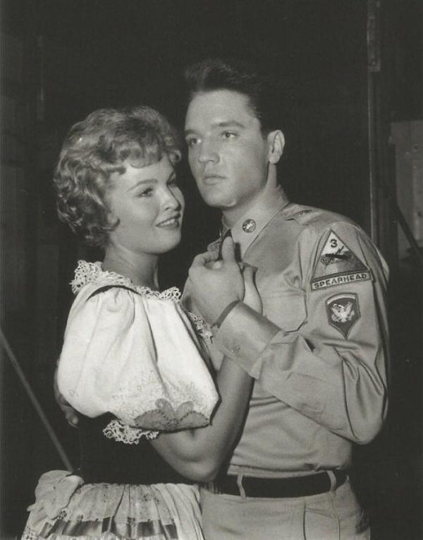 Elvis Avec Marianne Gaba , Miss Illinois USA 1957 et Playmate du mois de septembre 1959