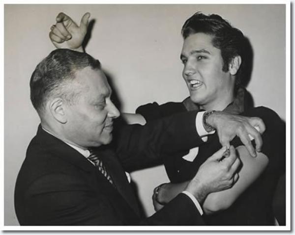Elvis Presley vaccin Polio,Prise de vue le 28 Octobre 1956