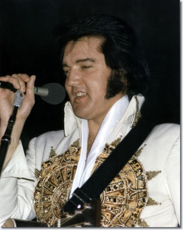 Elvis Presley  June 25, 1977  8.30pm Riverfront Coliseum, Cincinnati, Oh