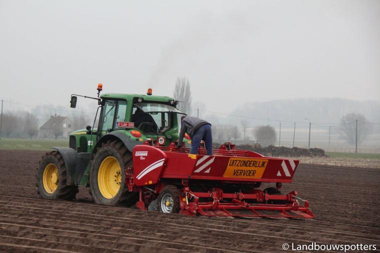 Eerste aardappelen planten 2015