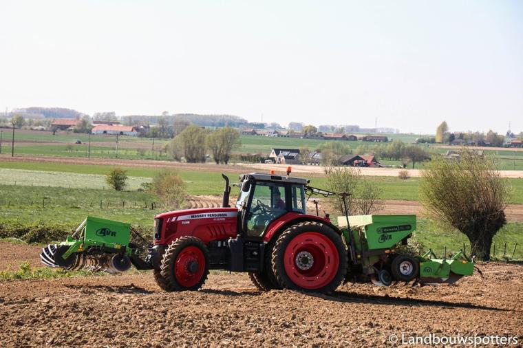 Plantation de pommes de terre 2015 - Agribayart - Kain