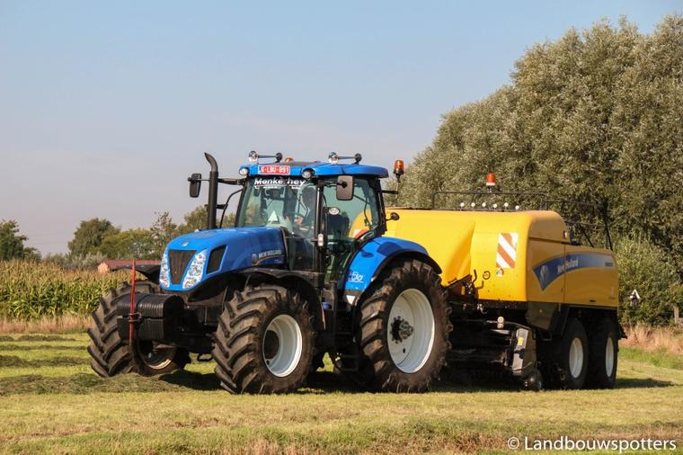 New Holland T7.220 & TM 135 Persen en wikkelen - pressage 2015