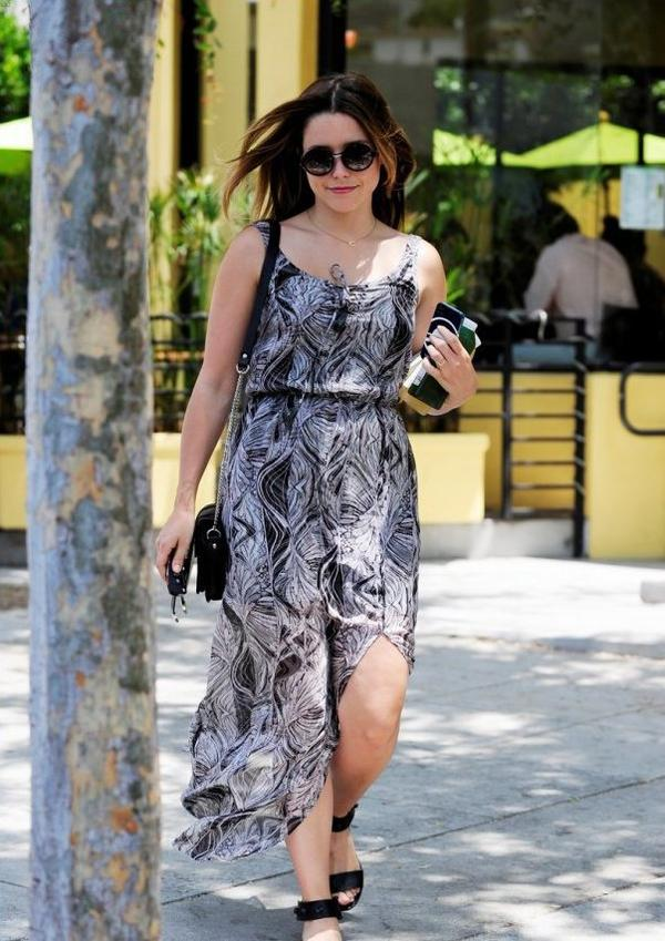 Sophia Bush faisant du shopping à West Hollywood, Californie