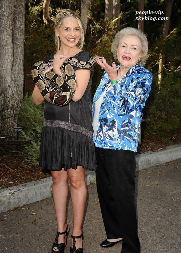 Sarah Michelle Gellar et Betty White au Beastly Ball tenu au zoo de Los Angeles.  Samedi, 16 juin