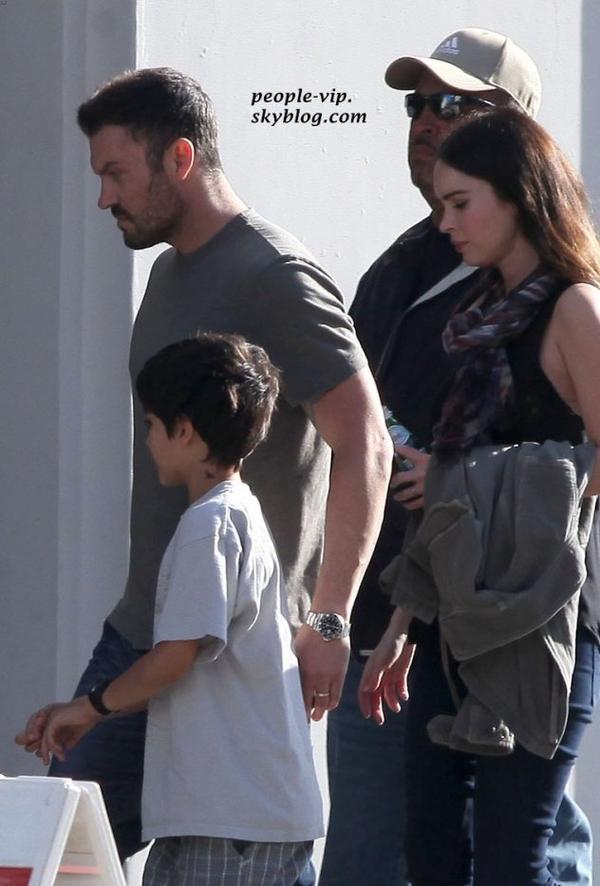 Megan Fox, enceinte, et son mari Brian Austin Green assistent à la messe le jour des père à Los Angeles. Dimanche, 17 juin