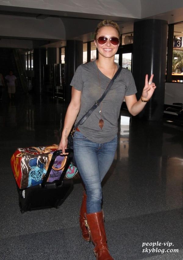 Hayden Panettiere à l'aéroport LAX de Los Angeles. Jeudi, 21 juin
