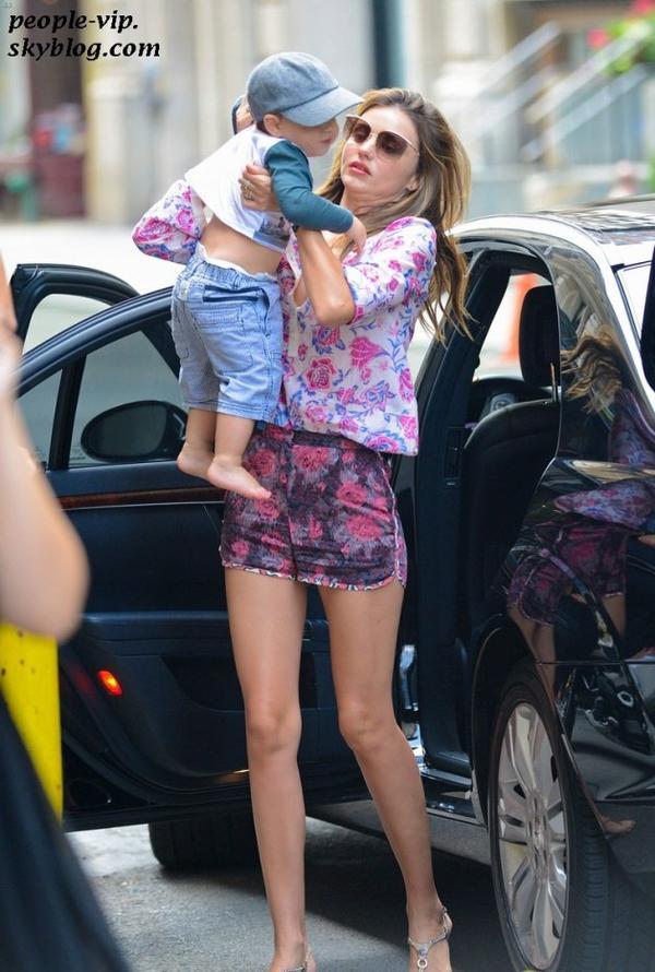 Miranda Kerr avec son adorable fils Flynn à New York. Dimanche, 24 juin