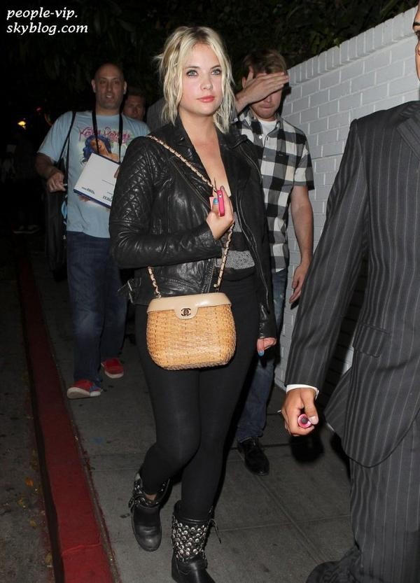 Katy Perry, Justin Bieber, Selena Gomez, Robert Patinson et Ashley Benson sont tous allé au Bootsy Bellows lounge pour fêter la sortie du film  Katy Perry: Part of Me 3D. Mardi, 26 juin