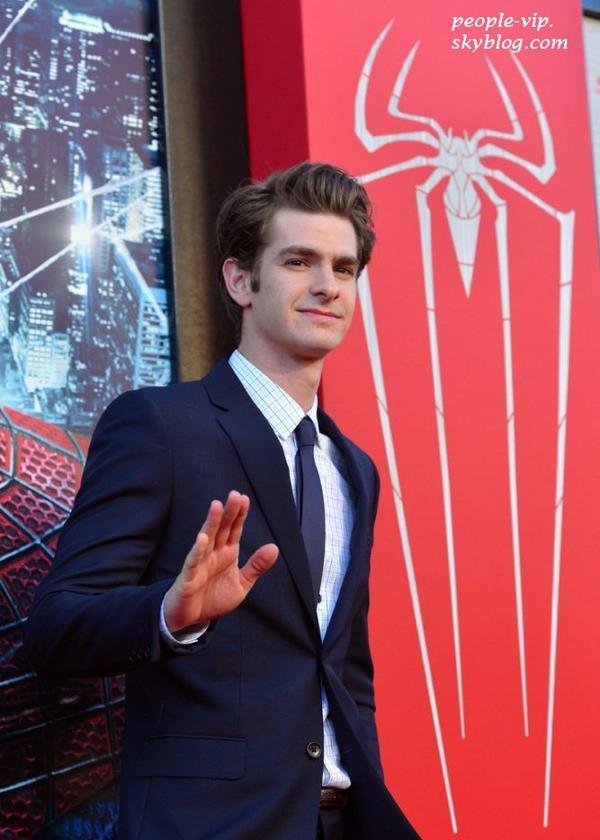 """Emma Stone et Andrew Garfield à la première de leur film """"The Amazing Spider-Man"""" à Westwood, en Californie. Jeudi, 28 juin"""