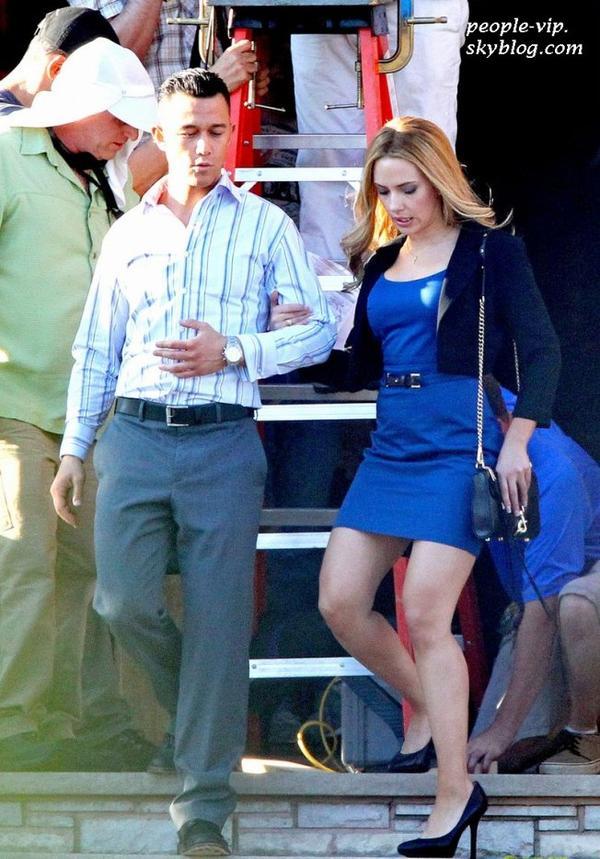 """Scarlett Johansson sur le tournage de son prochain film """"Don Jon's Addiction"""" au New Jersey.  Mercredi, 27 juin"""