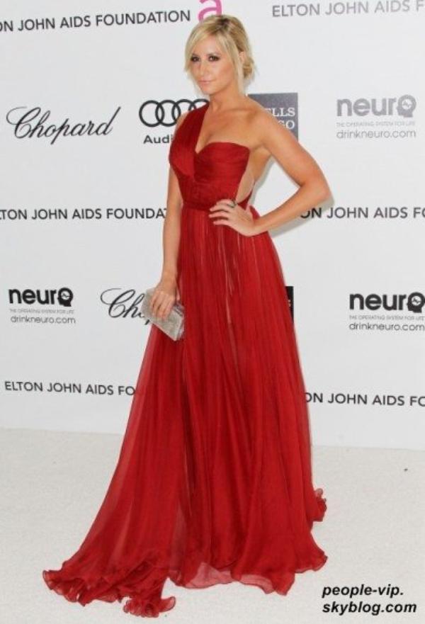 Joyeux anniversaire à Ashley Tisdale qui fête aujourd'hui ses 27 ans.