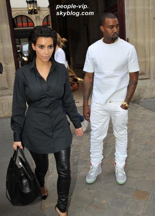 Kim Kardashian et Kanye West en promenade à Paris. Lundi, 02 juillet