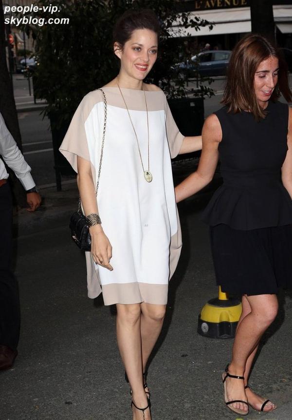 Marion Cotillard et Jennifer Lawrence magnifiques au défilé Christian Dior  à Paris. Lundi, 02 juillet