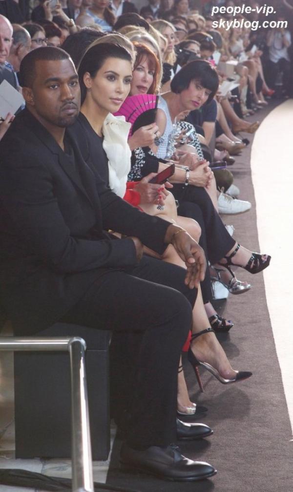 Kim Kardashian et son chéri Kanye West se rendant au défilé Stephane Rolland à Paris. Mardi, 03 juillet