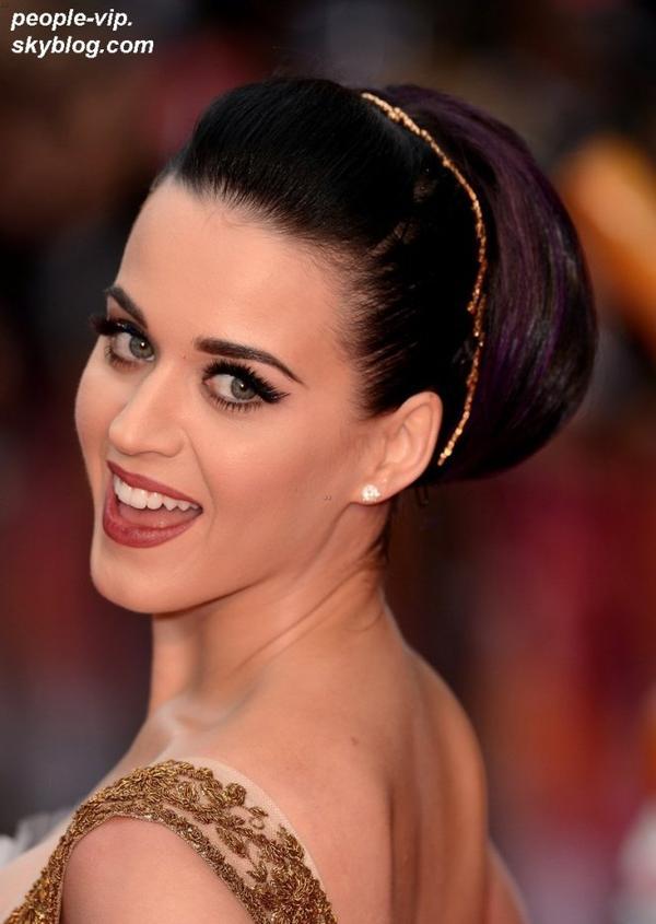 """Katy Perry à la première de son film """" Katy Perry: Part of Me 3D"""" à Londres, en Angleterre. Mardi, 03 juillet"""