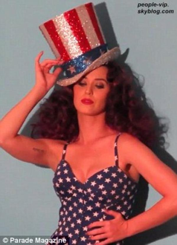 Les coulisses du photoshoot de Katy Perry pour Parade Magazine.
