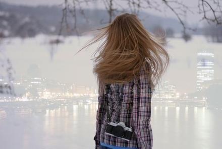 spürst du die kälte in diesem raum, wenn sie sich ansehen mit diesen blicken und schweigen, eisiges schweigen...