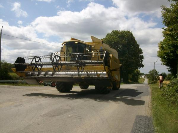 new holland TX 66 (moisson 2011)