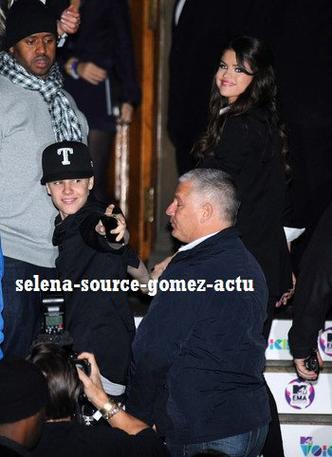Selena Gomez répond aux fans de Justin Bieber