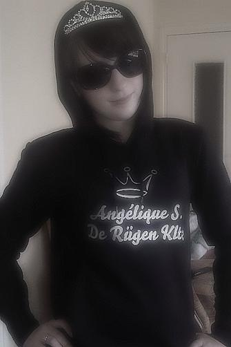 Si vous voulez d'avantage connaitre Angélique S. De Rügen Kltz; LISEZ !