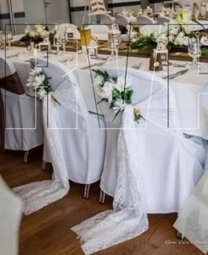 125 - Déco de mariage - Housses de chaises des mariés en dentelle