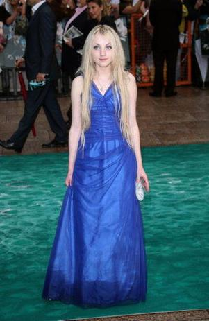 "Sondage : ""Quelle est la plus belle robe de Evanna Lynch ?"""