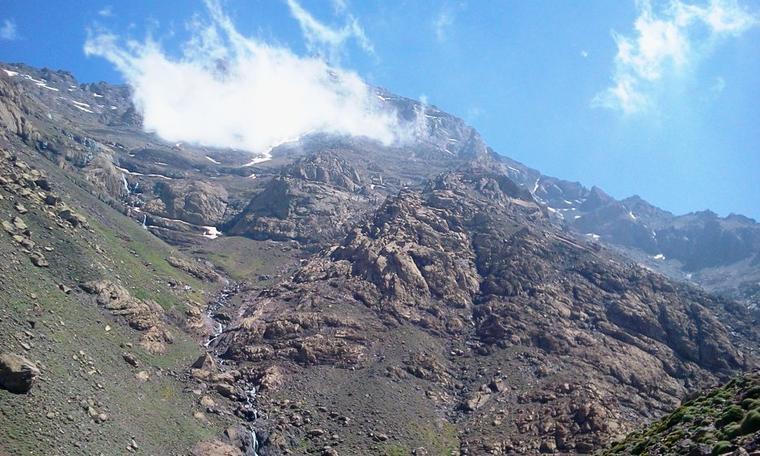"""Suite...ASCM,cyclotourisme n°1au Maroc.la sortie : l'ascension vers le sommet du Jebel Toubkal,Alt4167m """"Haut-Atlas Maroc"""".+ les cascades OUZOUD + Barrage Bin el-ouidane.du 16 au 19 Mai 2014."""