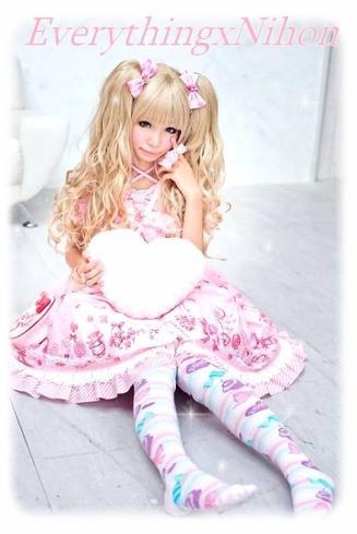----------------- . 日本 . ------------------------------------------------------------  ➠ • Gothique & Sweet Lolita •
