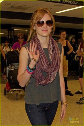 Bella à l'aéroport de LAX le 26 novembre :