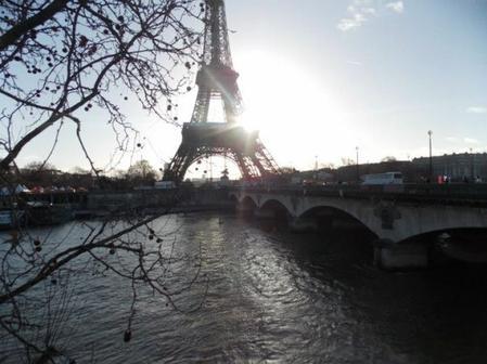 « Paris est tout petit pour ceux qui s'aiment d'un aussi grand amour. » Jacques Prévert