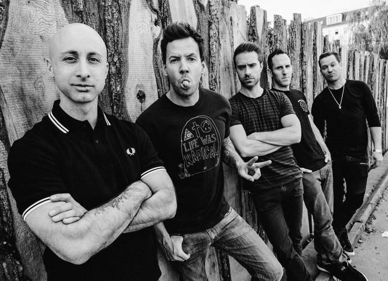 Simple Plan envoie un message à la station de radio Studio92