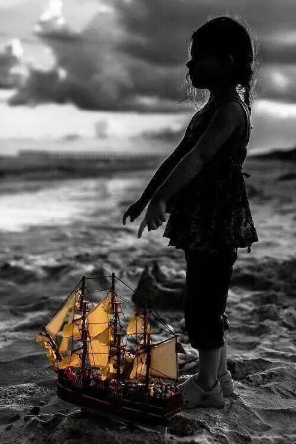 """""""Ce dont la jeunesse a besoin, c'est qu'on lui dise qu'il y a un bateau en construction dans sa propre cale sèche mentale, et que ce bateau est destiné à prendre la mer.""""   Aldo Leopold"""
