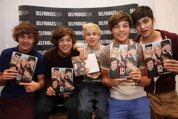 Le Livre 0ne Direction ( Forever Young )