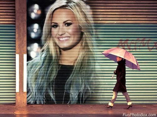 Demi Lovato, Miley Cyrus, Arianna Grande, Rihanna, Victoria Justice, Jennifer Lawrence, Ashley Benson et Emma Roberts .