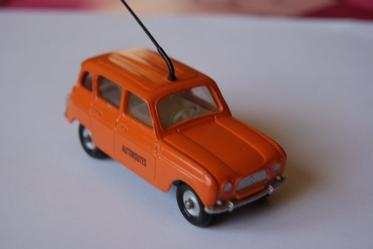 DINKY TOYS RENAULT 4L DÉPANAGE-AUTOROUTE RÉF: 518