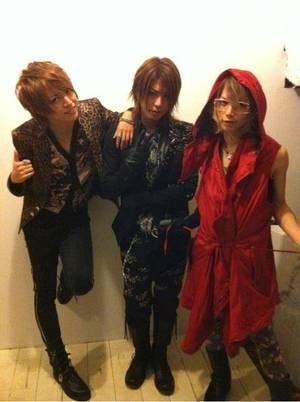 Image de ViViD , de Sato d'Lc5 et de Teruki d'An Cafe+ Image de Shou, Takeru et de Shin+ les 2 derniers kanon x kanon euro news.