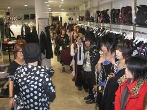 Jun (Golden Bomber ) et ses fans part 1