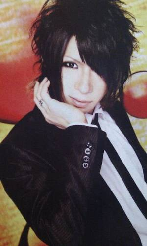 Miku : anniversaire !! +Lc5 : NEWS  !!!!!+ Bonus.
