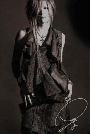 Golden Bomber : Dance My Generation, PV !!!+ infos sur Tora d'Alice + Images de The GazettE et d'An Cafe.