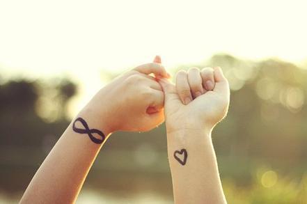 ▲ Chapitre 10 : « Il y a Je t'aime et Je t'aime. »