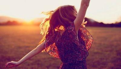 « Ne pleurez pas votre passé car il s'est enfui à jamais. Ne craignez pas votre avenir car il n'existe pas encore. Vivez votre présent et rendez le magnifique pour vous en souvenir à jamais. » Les frères Scott