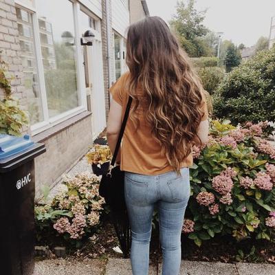 « Marchons vers l'avenir sur la route du bonheur. » Anastasia