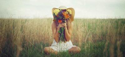 « La vie est belle. Très belle... Tu dois y revenir, maintenant. Aussi dure soit l'épreuve que tu as subie, tu ne dois pas continuer à te cantonner dans la solitude. Il faut recommencer à vivre. » Cizia Zikë