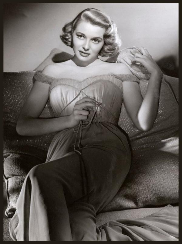 Patricia NEAL '50-60 (20 Janvier 1926 - 8 Août 2010)