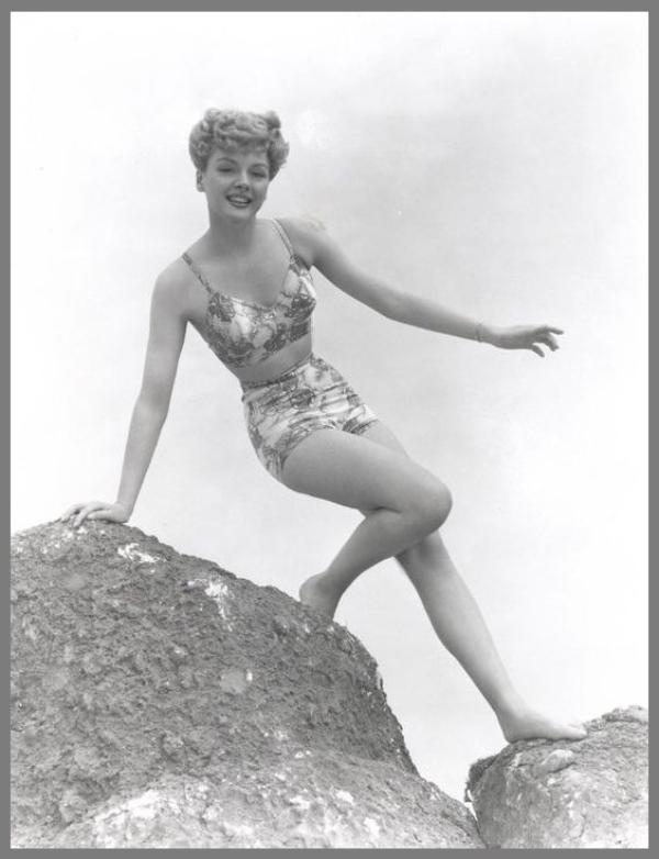 Leslie BROOKS '40 (13 Juillet 1922)
