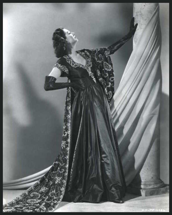 Rosalind RUSSELL '40-50 (4 Juin 1907 - 28 Novembre 1976)