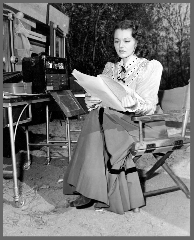 Lorna GRAY '40 rebaptisée Adrian BOOTH en 1945 (26 Juillet 1917)