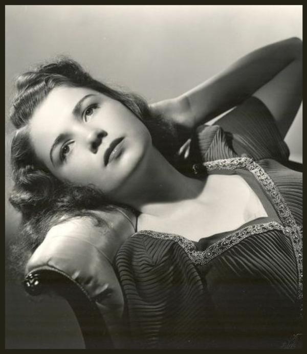 Anne BAXTER '40-50 (7 Mai 1923 - 12 Décembre 1985)