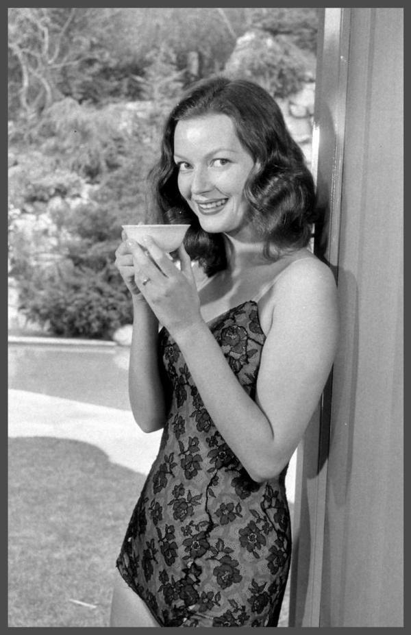 Hazel BROOKS '40 (8 Septembre 1924 - 18 Septembre 2002)